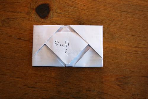 Et Voila: Pull To Open